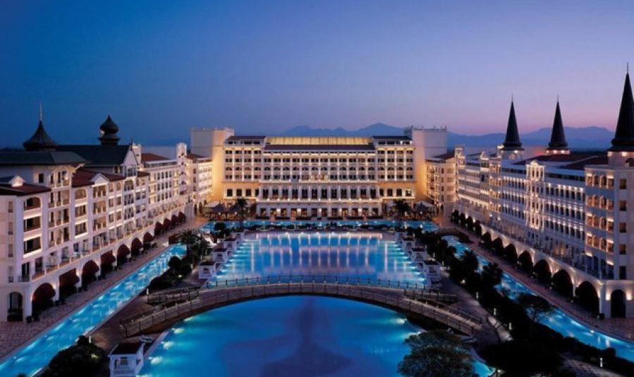 Những khách sạn và resort sang trọng nhất thế giới